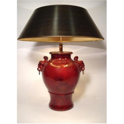 Vase ochsenblutrot /schwarz marmoriert mit Engelsköpfen – SI-299